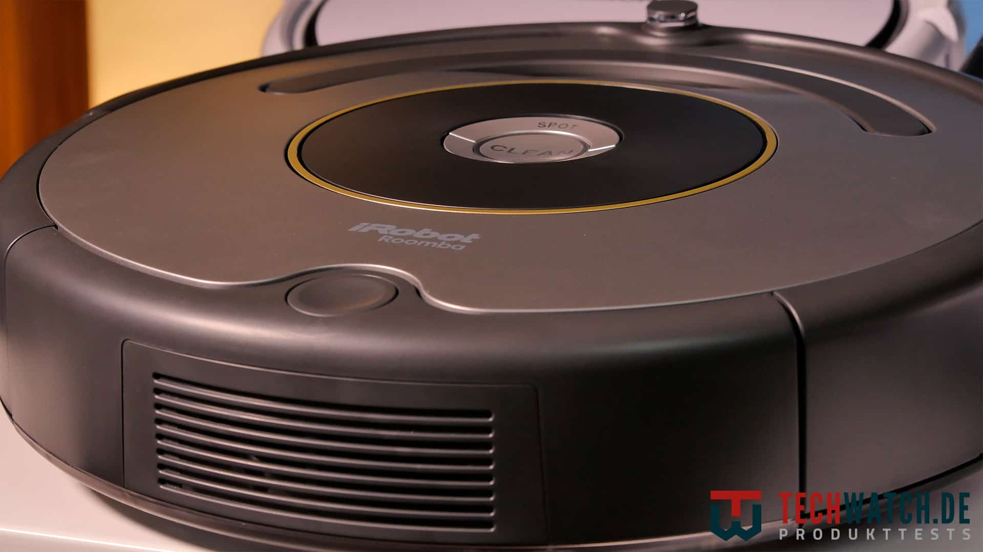 iRobot Roomba 615 Front